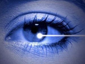 design avec faisceau lumineux dans un oeil